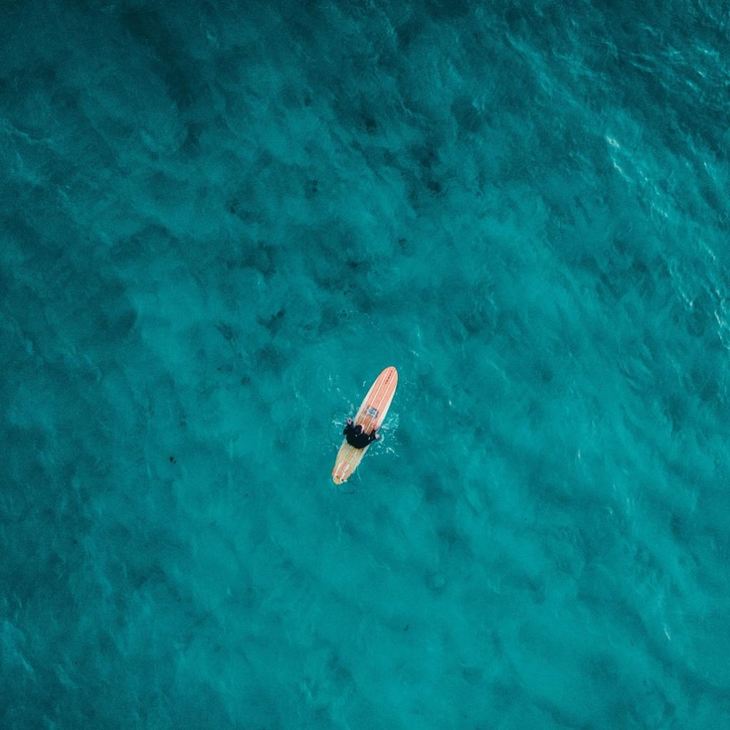 Le paddle yoga en mer améliore l'équilibre
