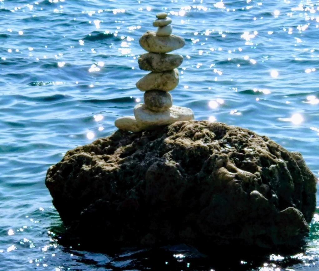 Assouplissement et raffermissement avec le yoga en bord de mer